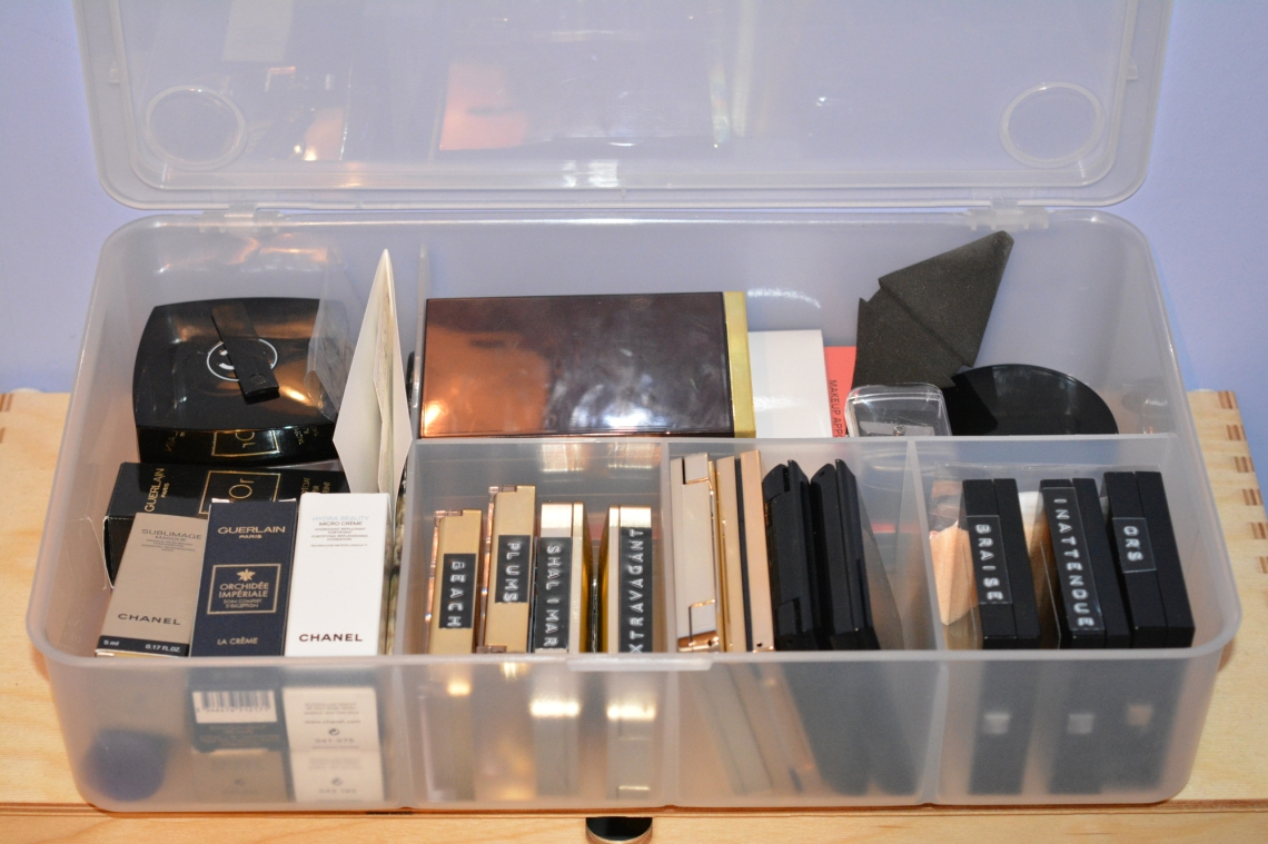 Post1_MakeupStorage_ClearBoxOpen_small